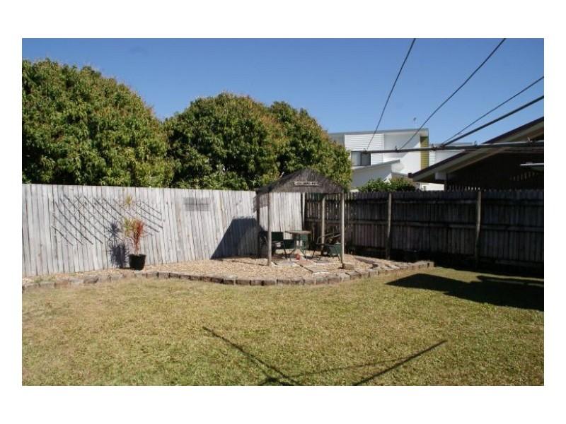 4 Dixon Crt, Beaconsfield QLD 4740