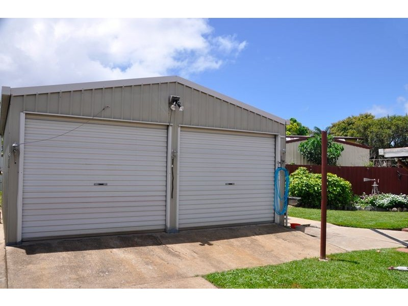 4 Harveys Rd, Beaconsfield QLD 4740