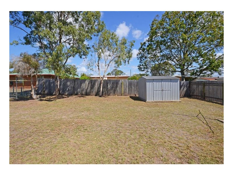 11 White Street, Point Vernon QLD 4655