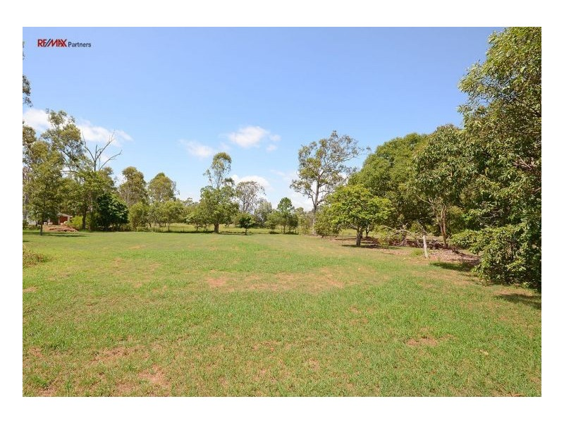 18 Frances Avenue, Booral QLD 4655