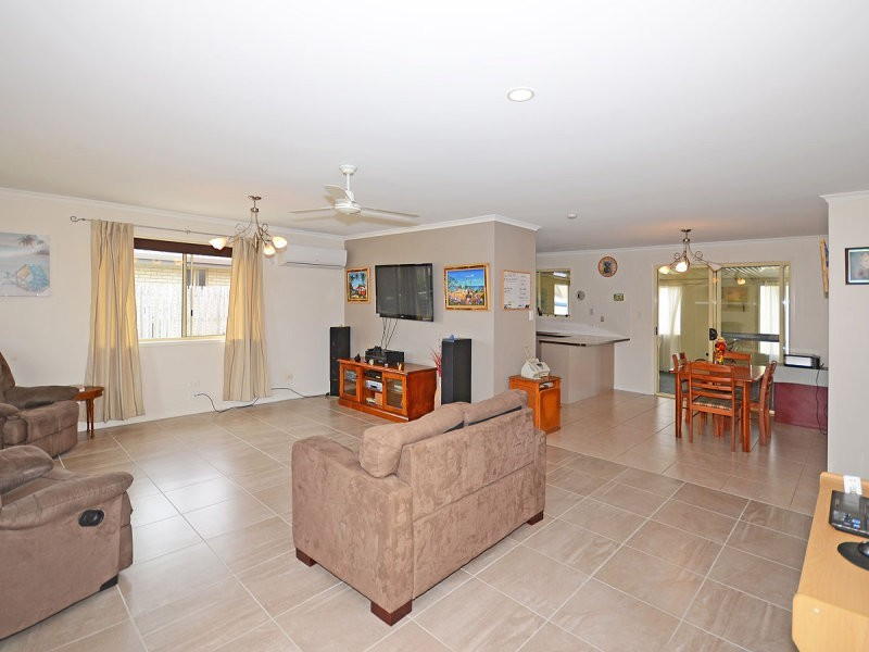 25 Joselyn Drive, Point Vernon QLD 4655