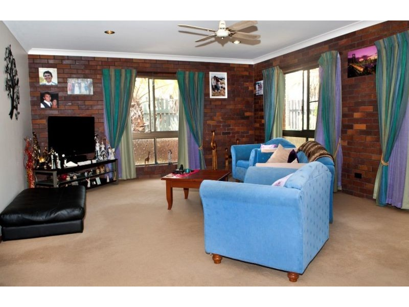 37 Enfield Cres, Battery Hill QLD 4551