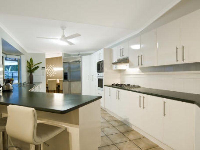 10 Mannikin Rd, Tanawha QLD 4556