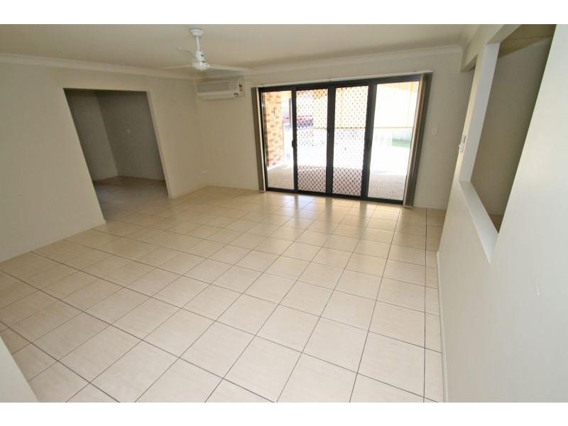 18 Links Court, Kin Kora QLD 4680
