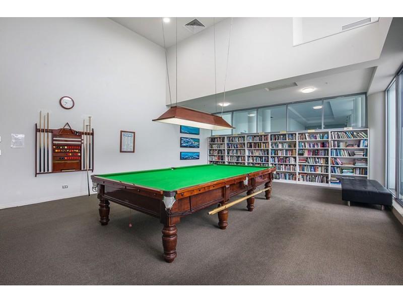 805/1 Como Crescent, Southport QLD 4215