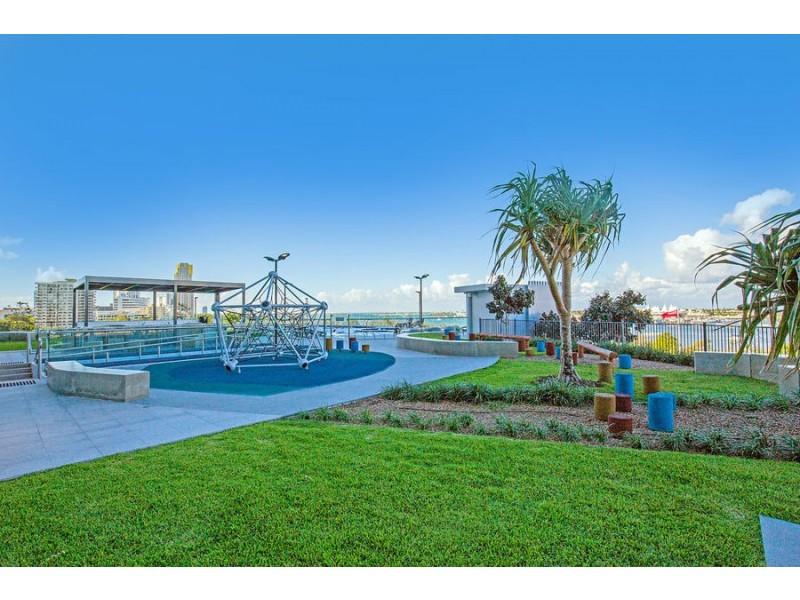 1002/2 Como Crescent, Southport QLD 4215