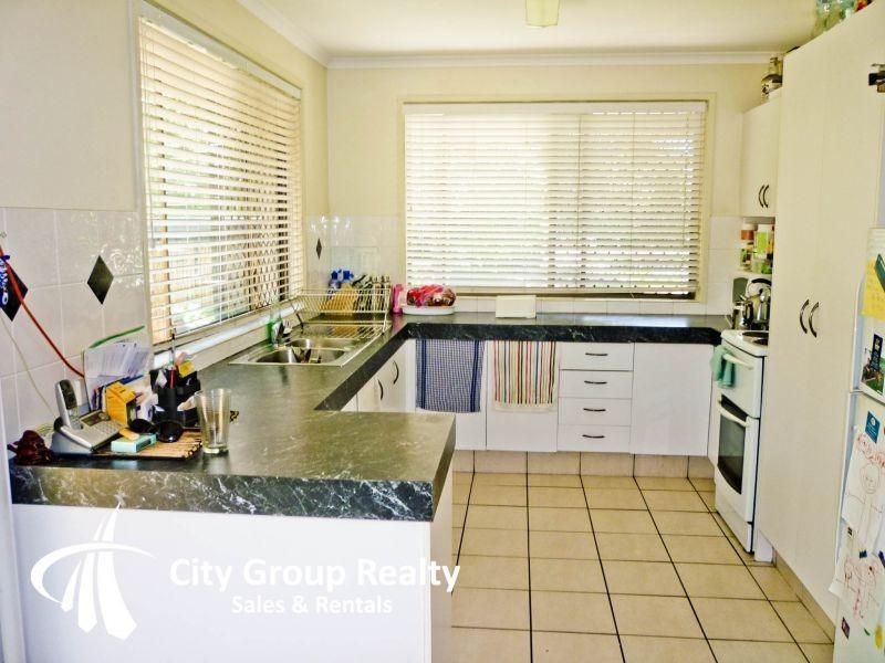 75 Cypress Drive, Broadbeach Waters QLD 4218