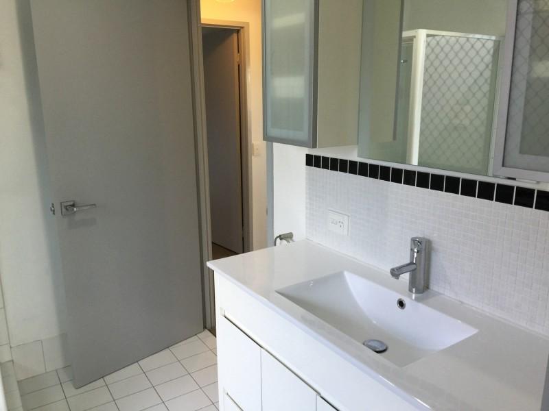 1/1 Ash Court, Arundel QLD 4214