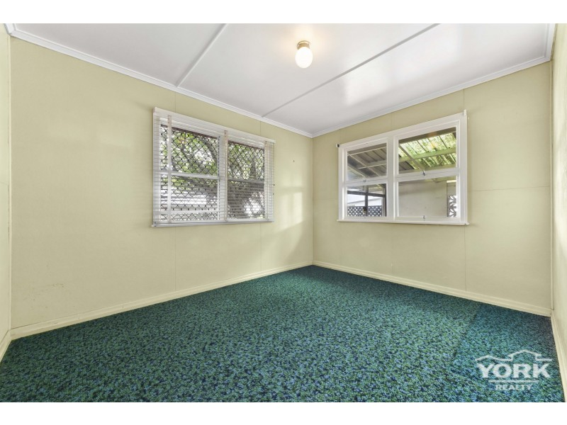5 Berry Street, Wilsonton QLD 4350
