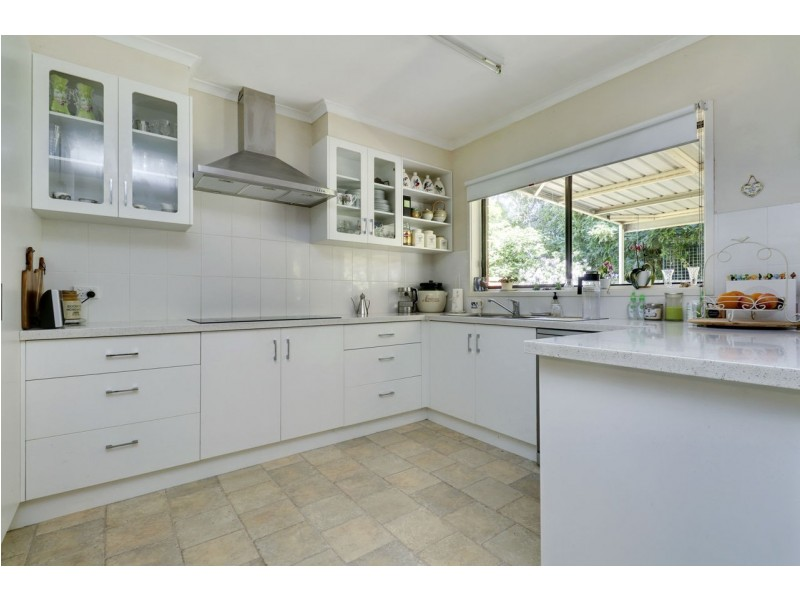 233 Burchfield Avenue, Deniliquin NSW 2710