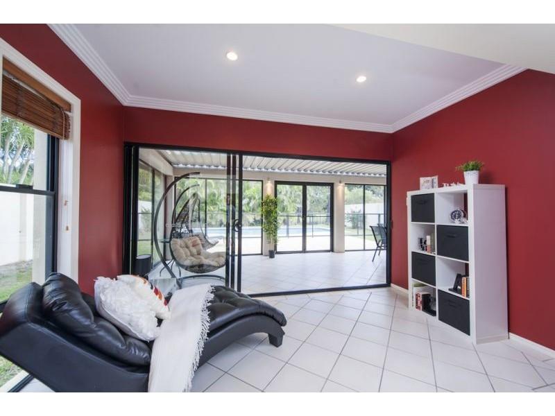 8395 Magnolia Drive East, Hope Island QLD 4212