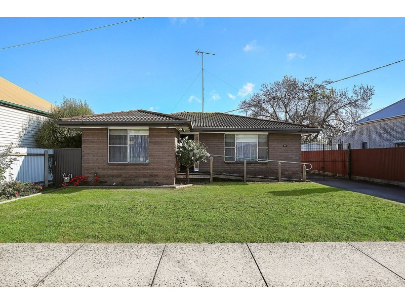 89 Armstrong Street, Colac VIC 3250