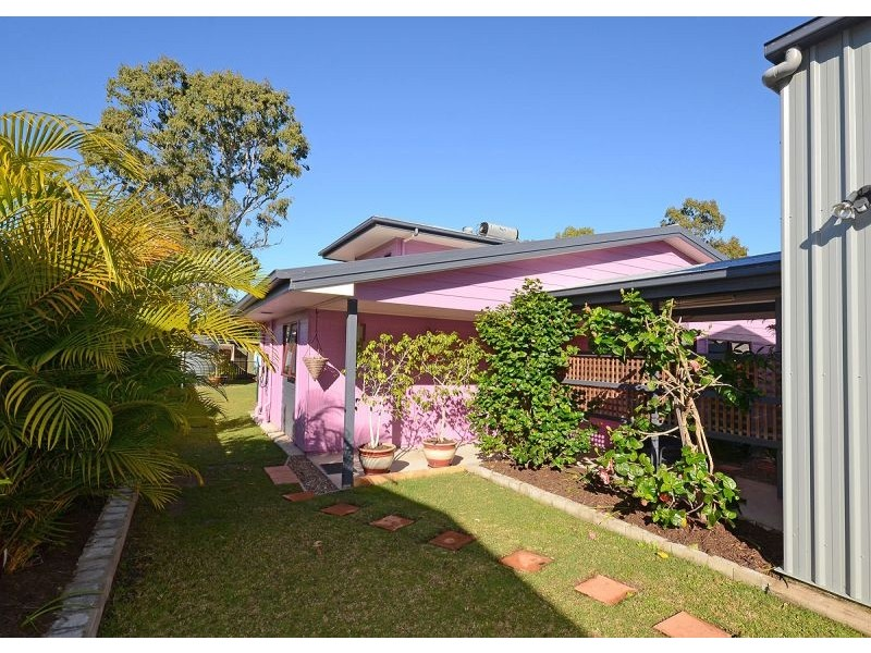 32 Brighton Street, Point Vernon QLD 4655