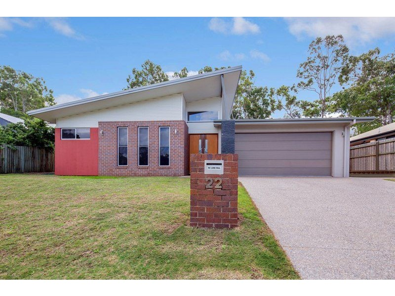 22 Parraweena Court, Point Vernon QLD 4655