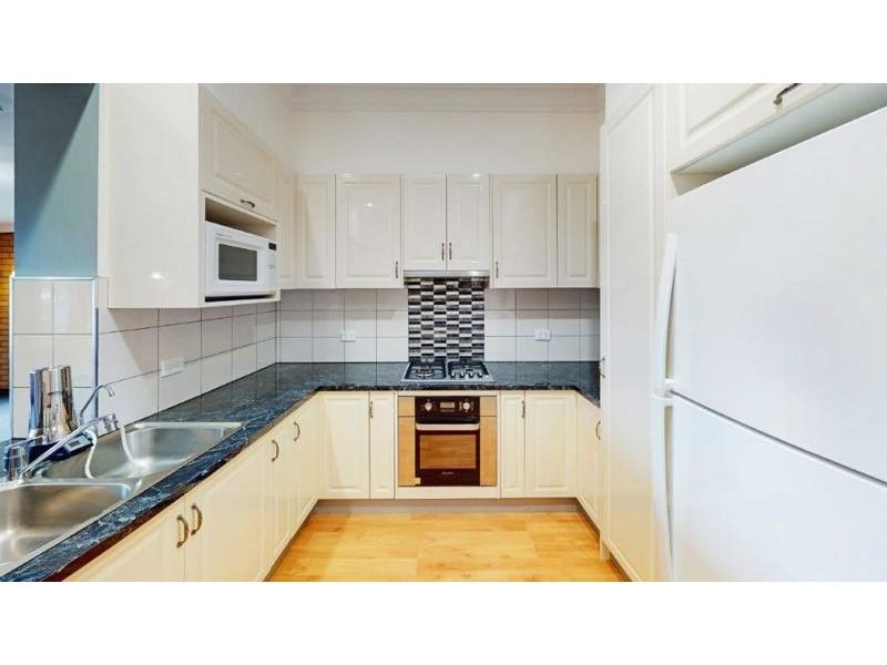 11 Commins St, Junee NSW 2663