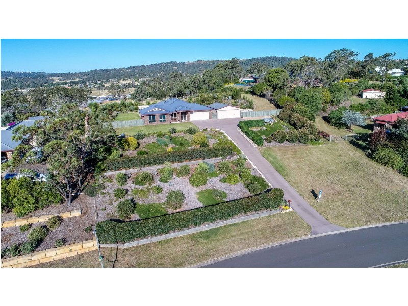 5 McCleverty Court, Cotswold Hills QLD 4350