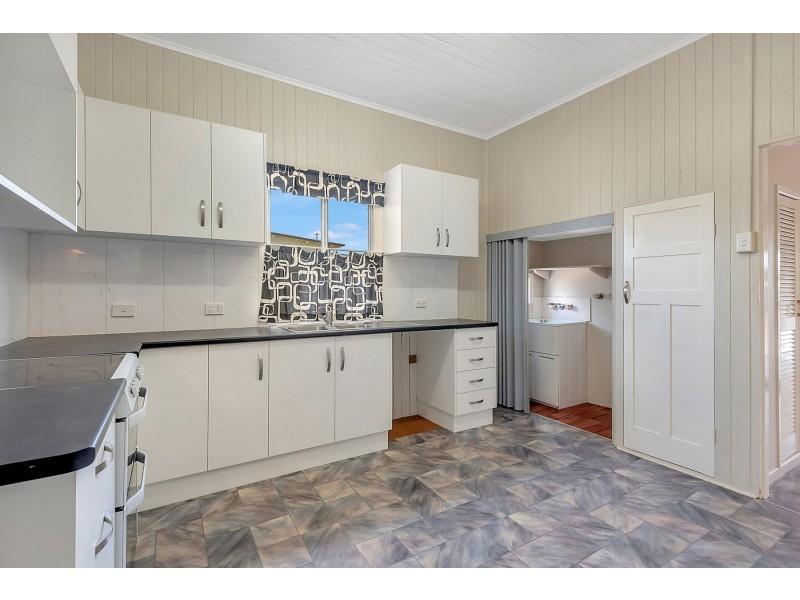 8 John Street, Goombungee QLD 4354