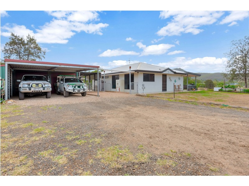 20 Dolleys Road, Withcott QLD 4352
