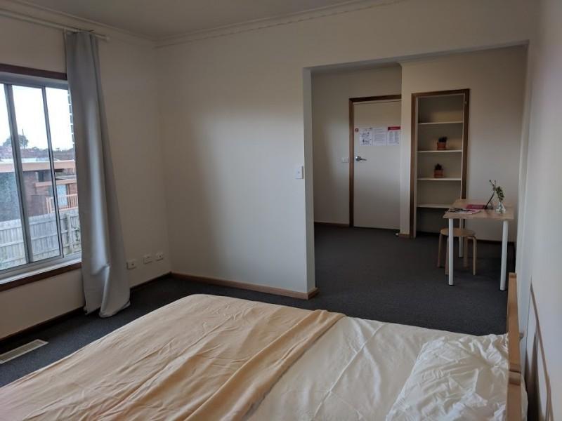 Room 5/74 Jones Road, Dandenong VIC 3175