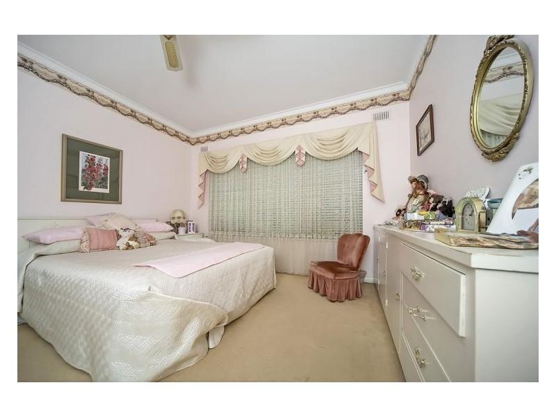 35 Lawrie Avenue, Salisbury SA 5108