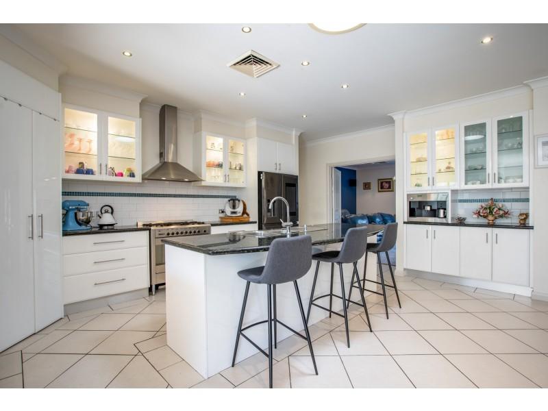 1 Bruno Place, Lavington NSW 2641