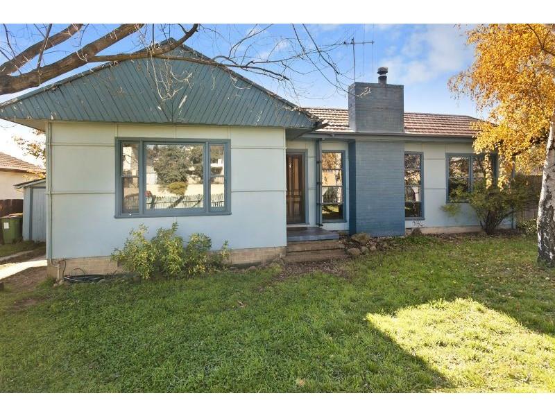 29 Henderson Road, Queanbeyan NSW 2620