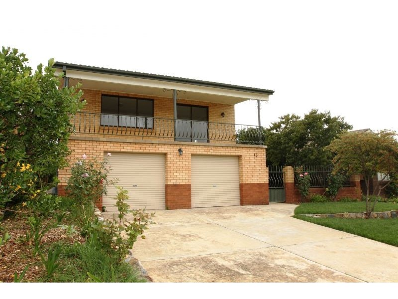 13 Waratah Street, Queanbeyan NSW 2620