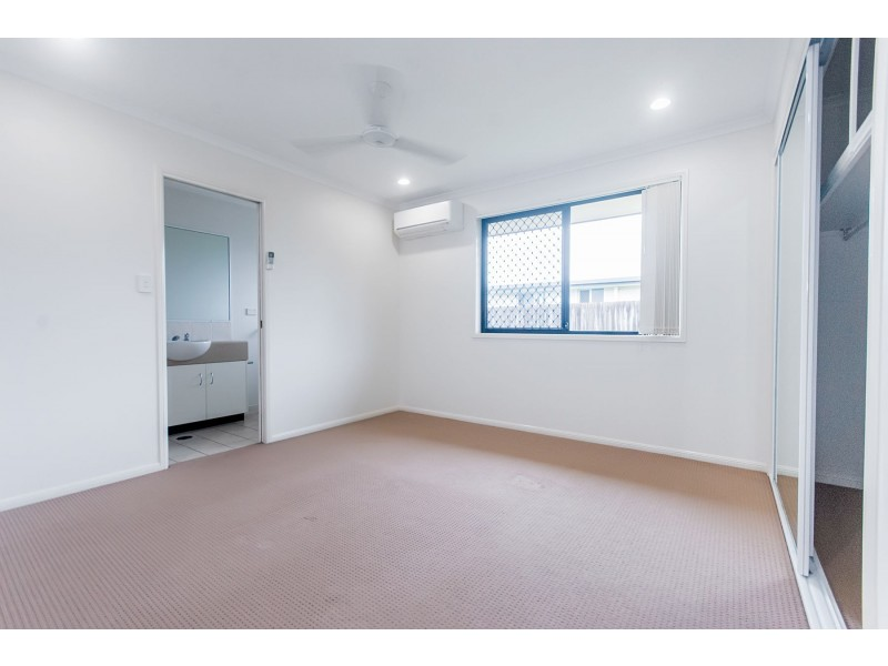 2/7 Collins Court, Eimeo QLD 4740