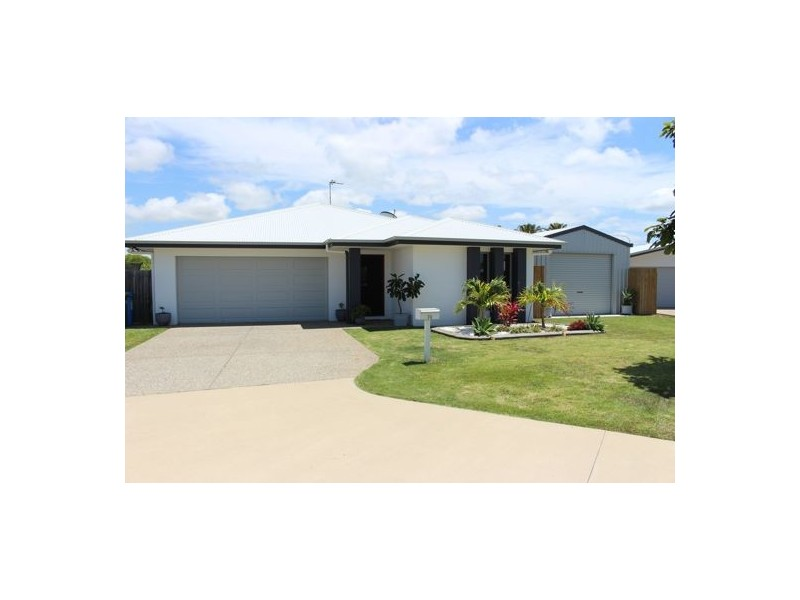 19 Phoenix Crescent, Rural View QLD 4740