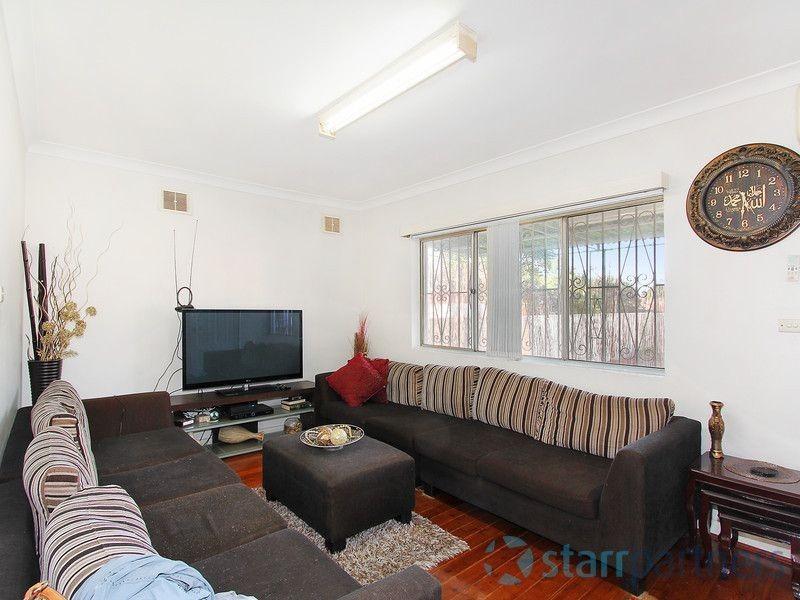 76 Cumberland Rd, Auburn NSW 2144