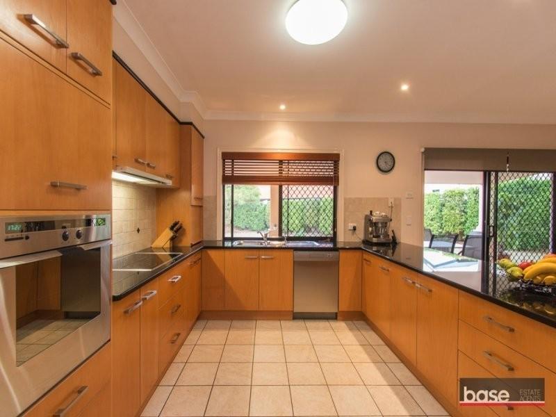 11 Harrison Court, Chermside West QLD 4032