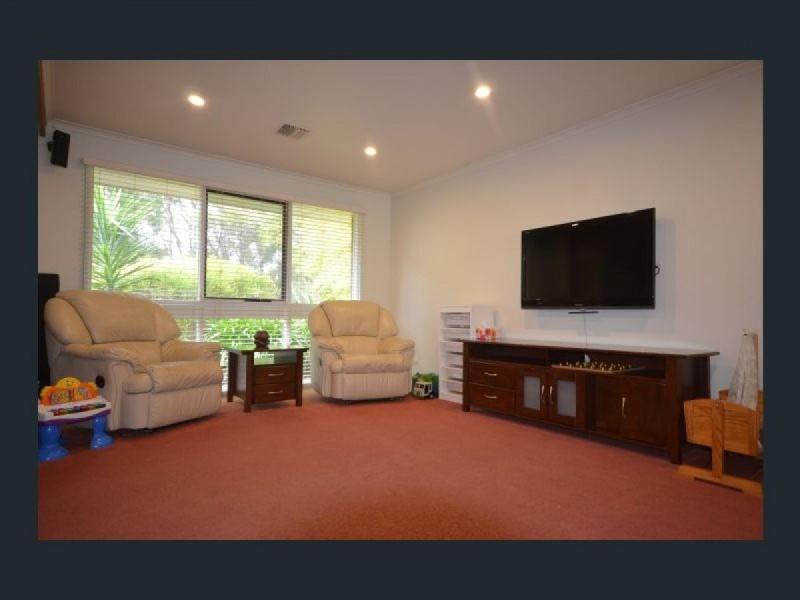 19 Reid Avenue, Aberfoyle Park SA 5159