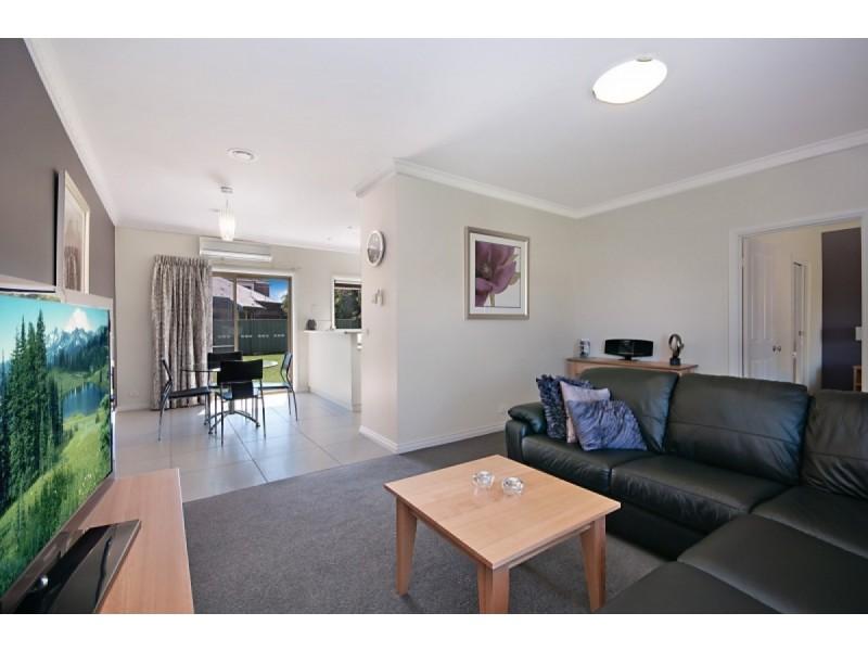 43 Ballarat Road, Hamilton VIC 3300