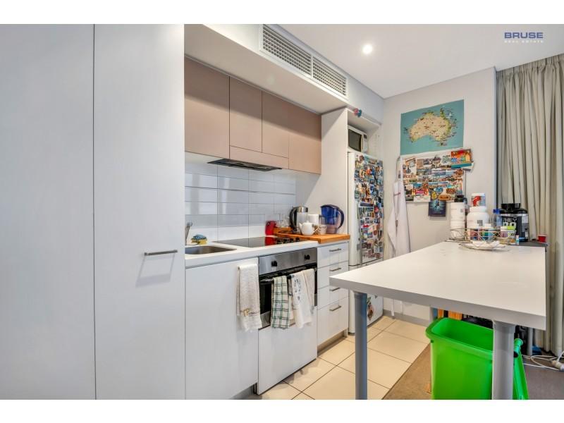 902/102 – 105 North Terrace, Adelaide SA 5000