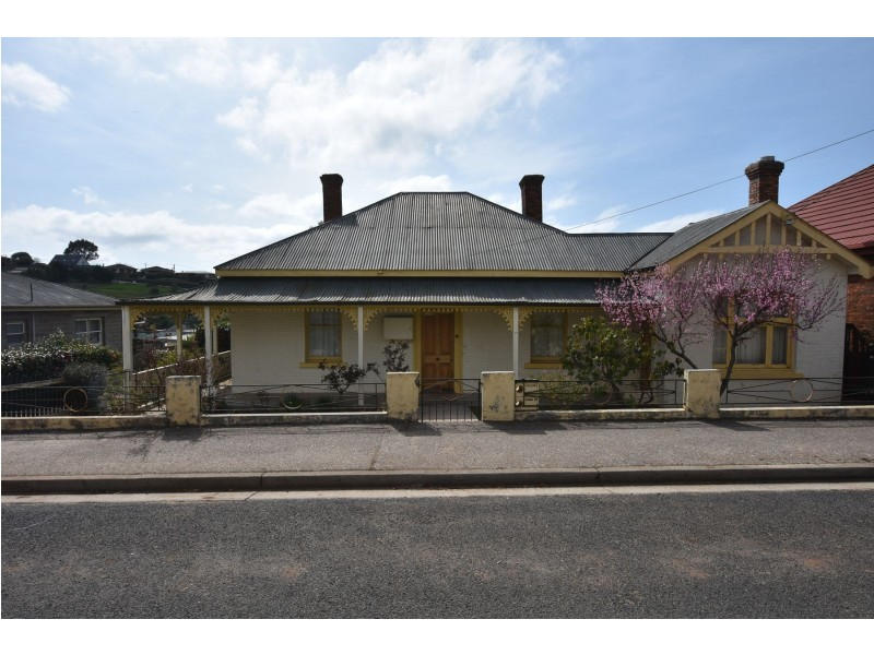 2/17 West Barrack Street,, Deloraine TAS 7304