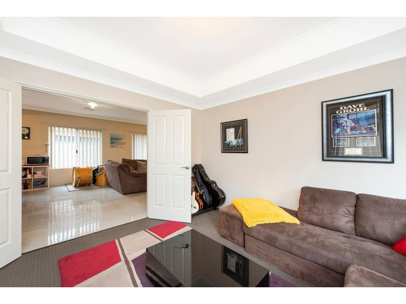 8 Bluebell Avenue, High Wycombe WA 6057