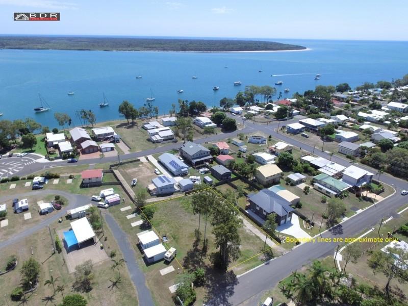 4 Howard Street, Burrum Heads QLD 4659