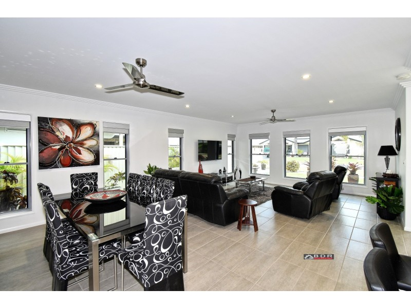 1 Michael Way, Burrum Heads QLD 4659