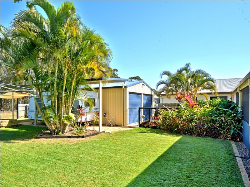 11 Lakeside Drive, Burrum Heads QLD 4659