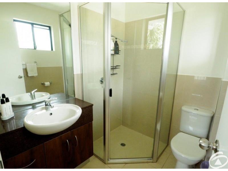6/349-351 Lake Street, Cairns North QLD 4870