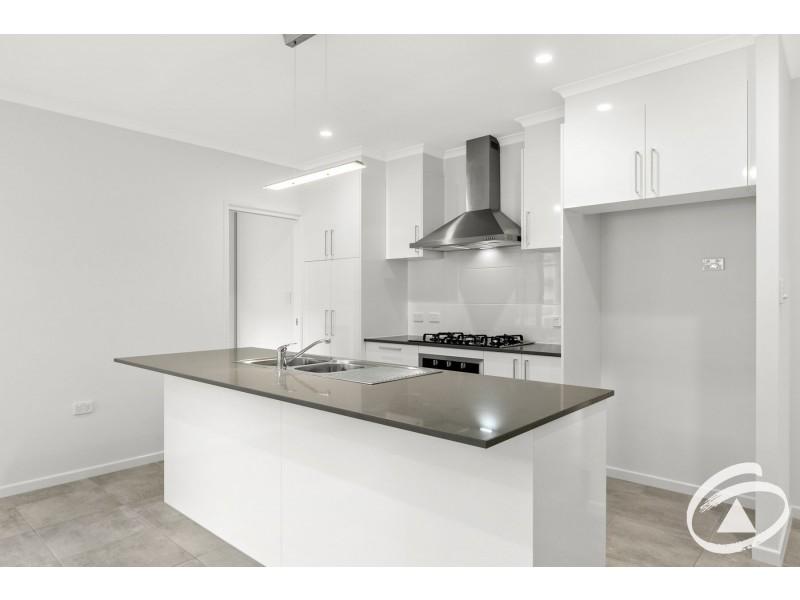 2/8 Macaranga Road, Bentley Park QLD 4869