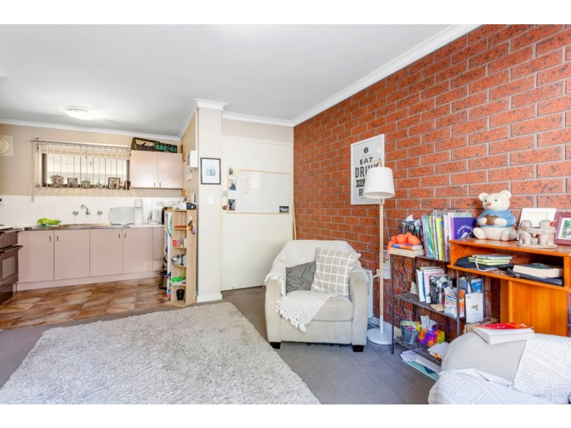 1/13 Baxter Street, Coburg VIC 3058