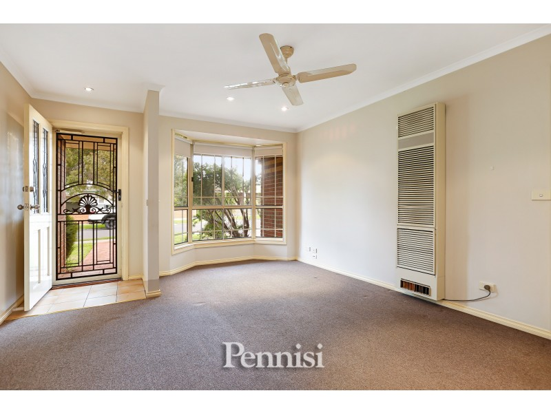 1/12 Coniston Avenue, Airport West VIC 3042