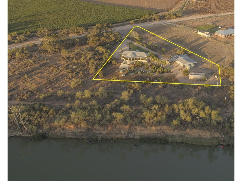 53 Golf Course Road, Coomealla NSW 2717