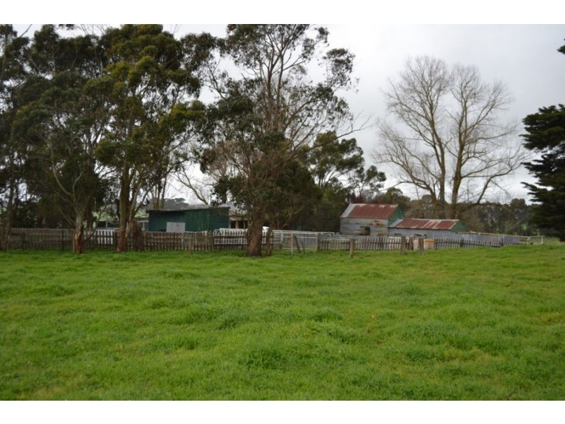 150 Blacks road, Glenormiston North VIC 3265