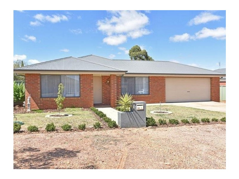 4 Belac Street, Maiden Gully VIC 3551