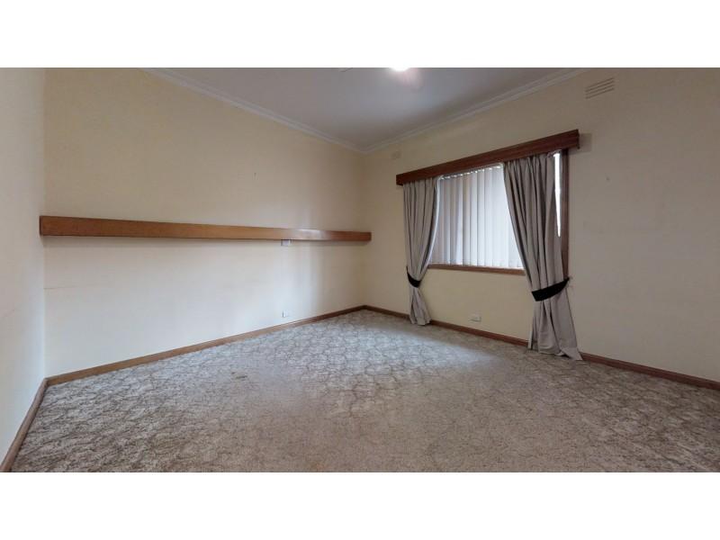 2  Broad Court, Kangaroo Flat VIC 3555