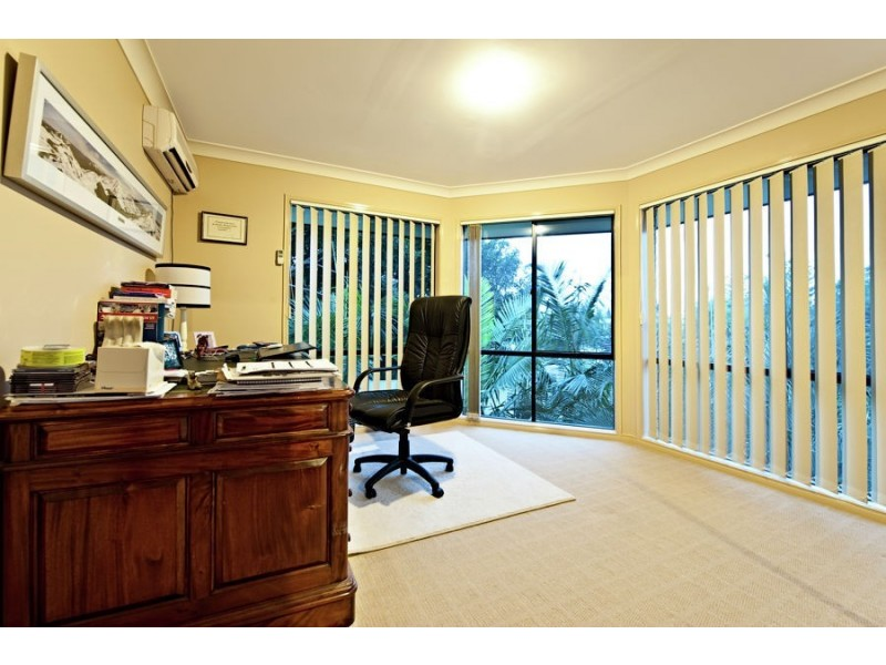 34 Bermuda Street, Broadbeach Waters QLD 4218
