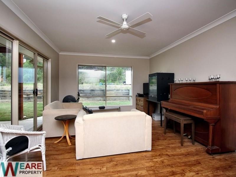 2-4 Eyre Pl, Jimboomba QLD 4280