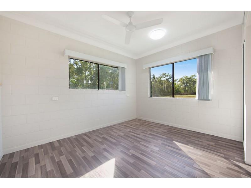 165 Balgal Beach Rd, Balgal Beach QLD 4816